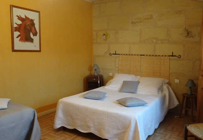 Chambre merlot chambres d 39 h tes cabadentra saint emilion for Chambre d hotes saint emilion
